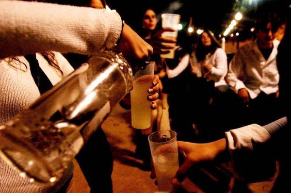 Jóvenes queretanos, los que más alcohol consumen en México