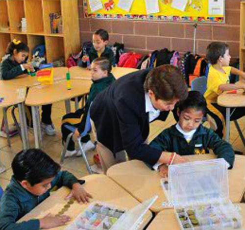 Ya no es tabú que una mujer dirija una escuela
