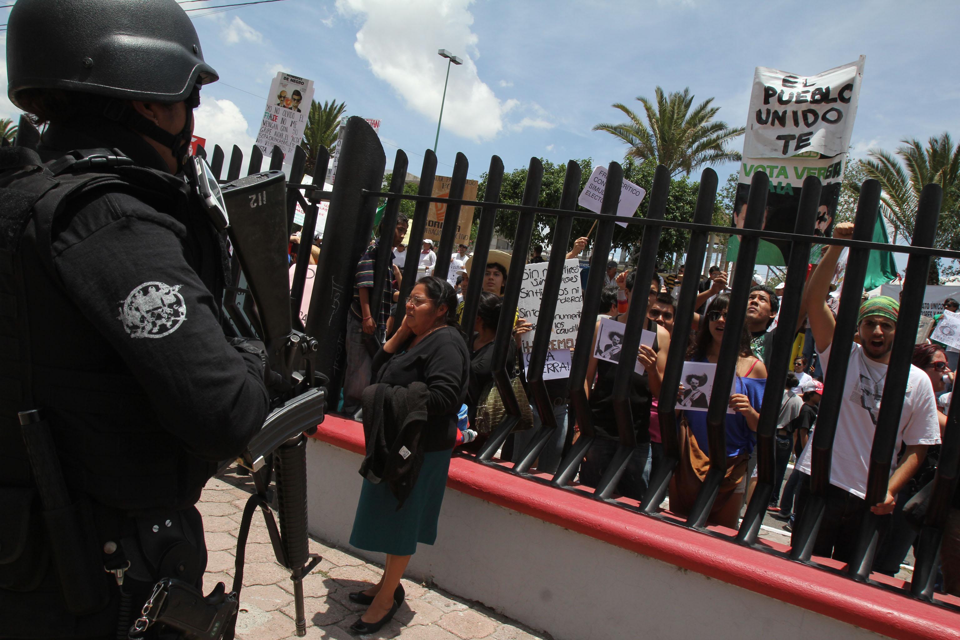 Seguridad Ciudadana reporta mil 200 personas fuera del auditorio durante informe de Calzada