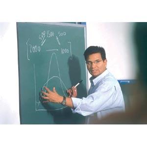 De la Isla Herrera confirma que recibió pliego petitorio de maestros