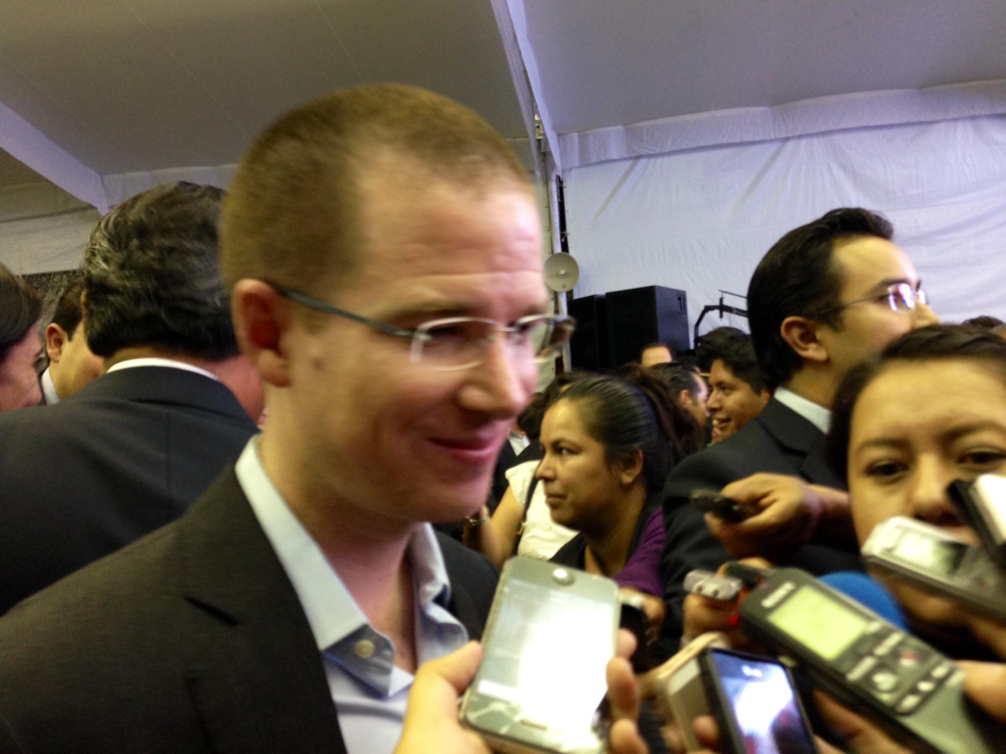 Reforma fiscal sigue deteniendo la economía del país, lamentó Ricardo Anaya