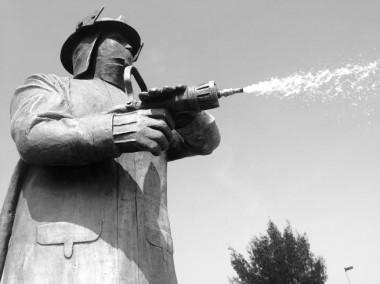 Compromiso y esfuerzo, cualidades para ser bombero: testimonio
