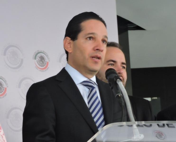 Se contraponen versiones de senador panista y secretario de Gobierno de Querétaro