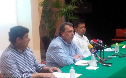 PGR atrae caso de normalistas desaparecidos de Ayotzinapa; gobierno de Guerrero confirma hallazgo de fosas