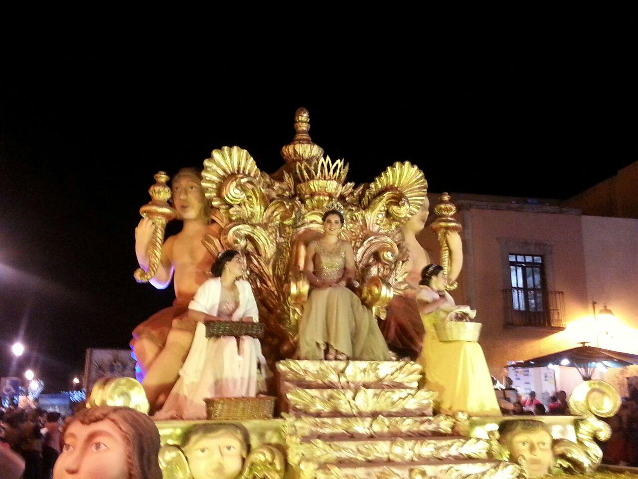 Carros Bíblicos recorren el Centro Histórico de Querétaro