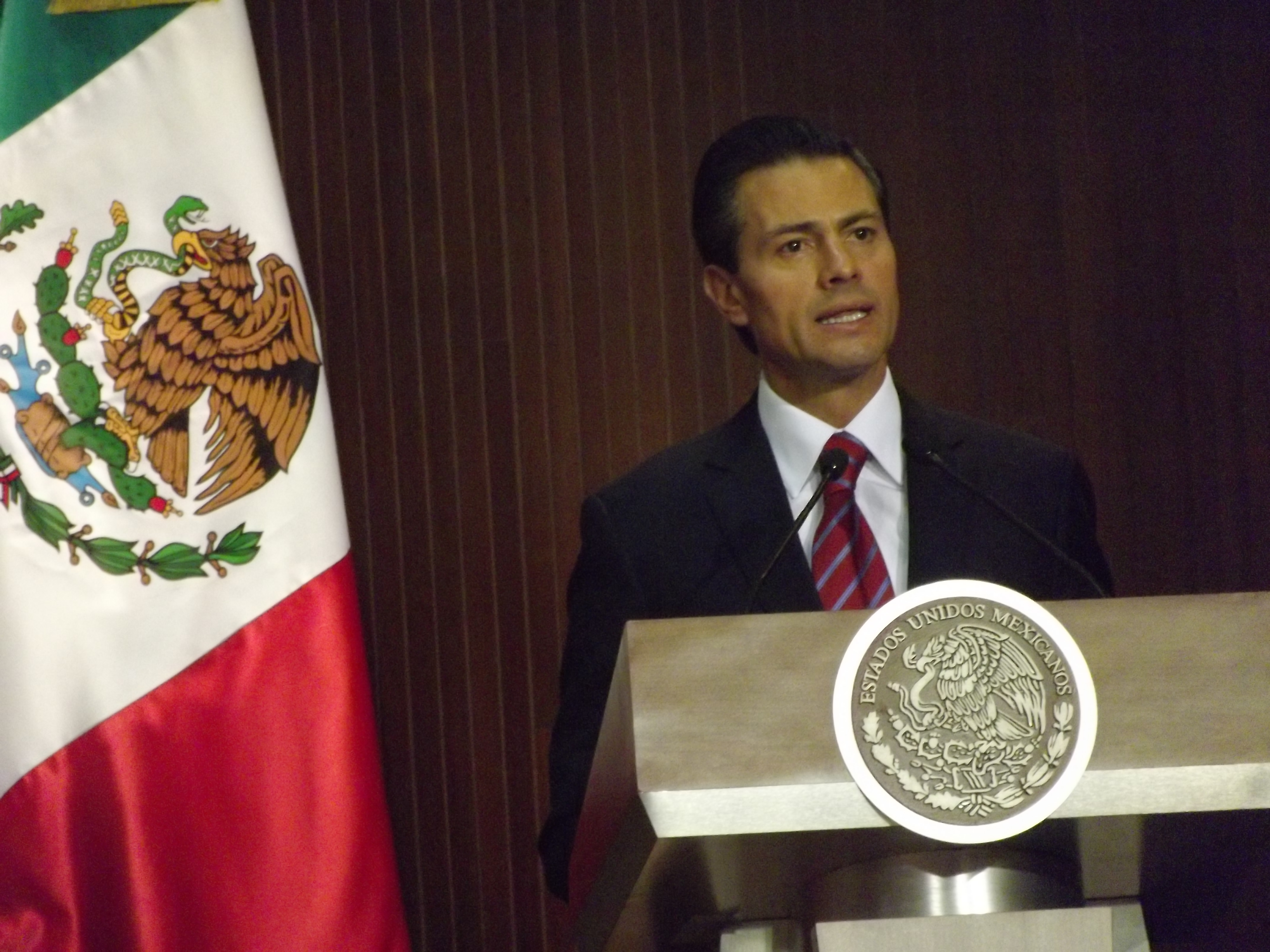 Presidencia de la República anuncia viajes de EPN a Canadá y Chile
