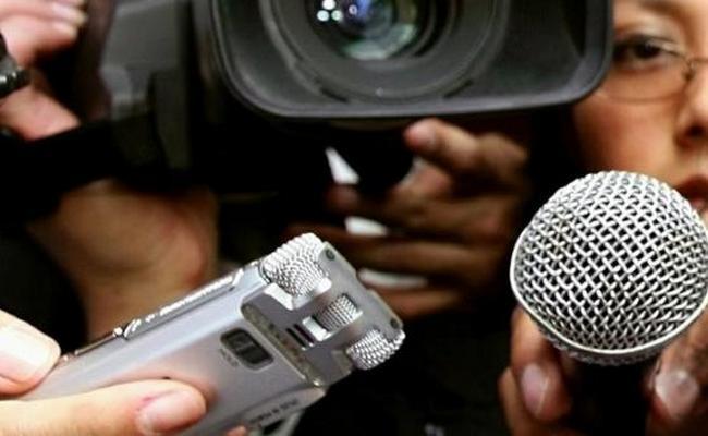 periodistas-trabajando