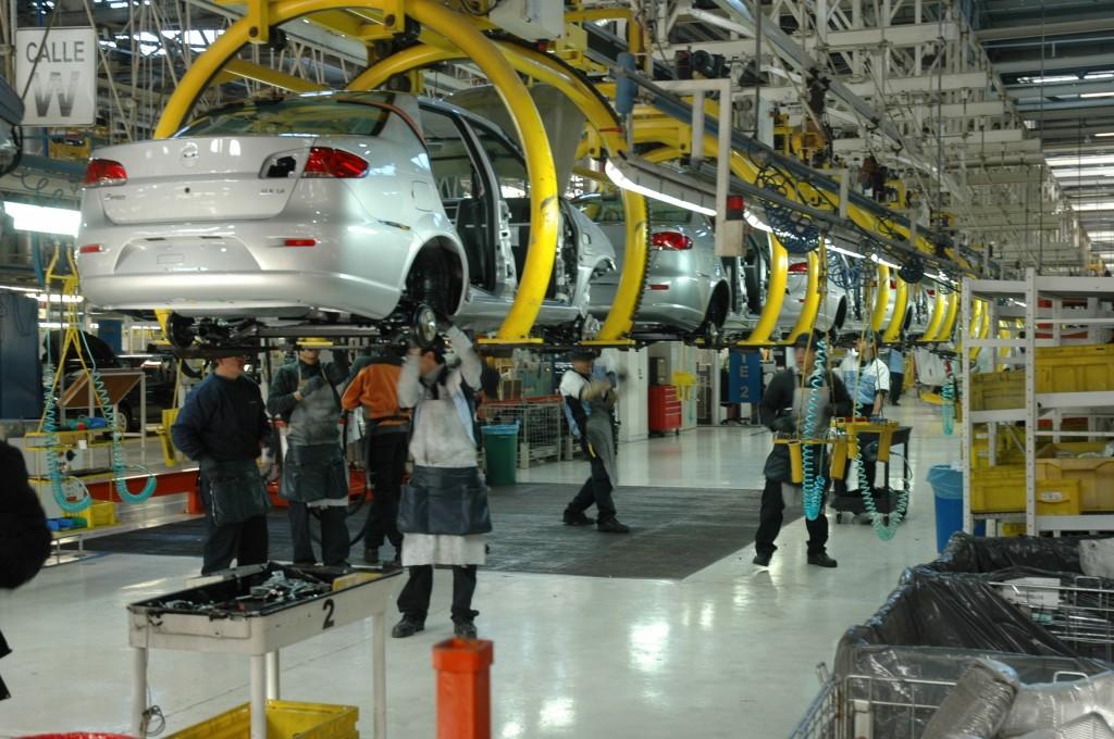 3 mil mdd costará T-MEC a la industria automotriz