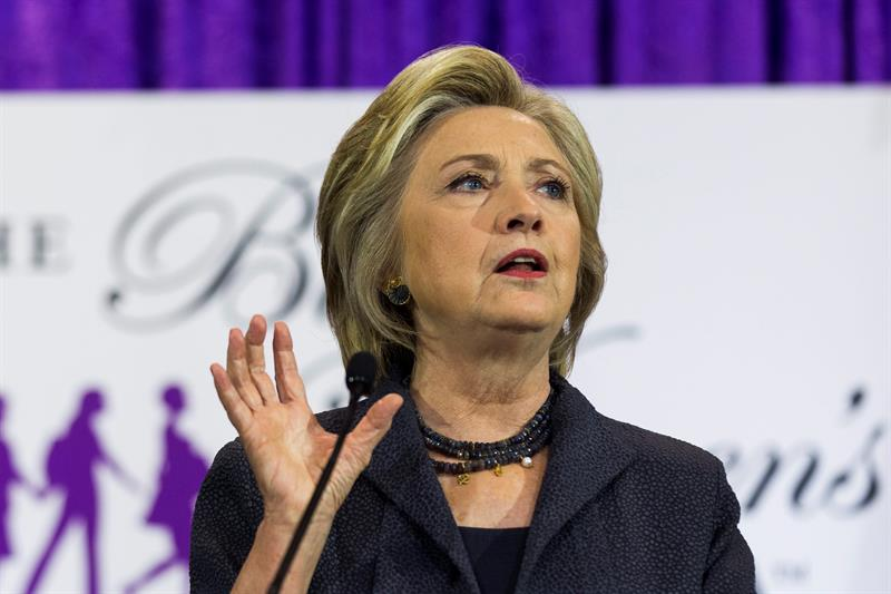Clinton y Trump prácticamente igualados en nuevos sondeos