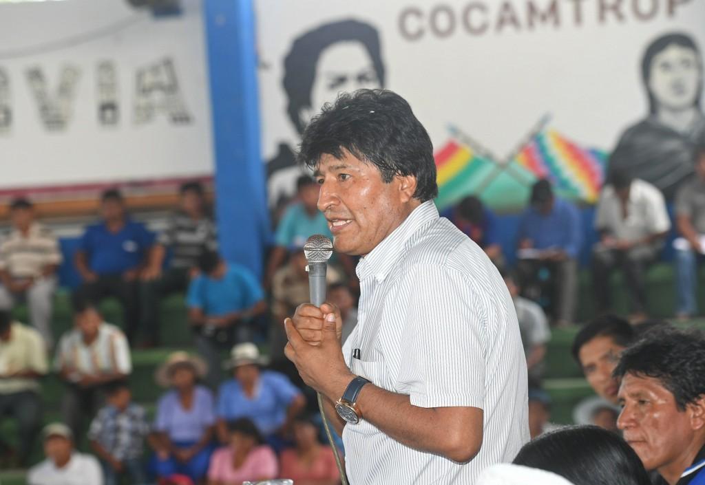 EVO MORALES AFIRMA ANTE LOS COCALEROS QUE LUCHARÁ CON MÁS FUERZA CONTRA EEUU