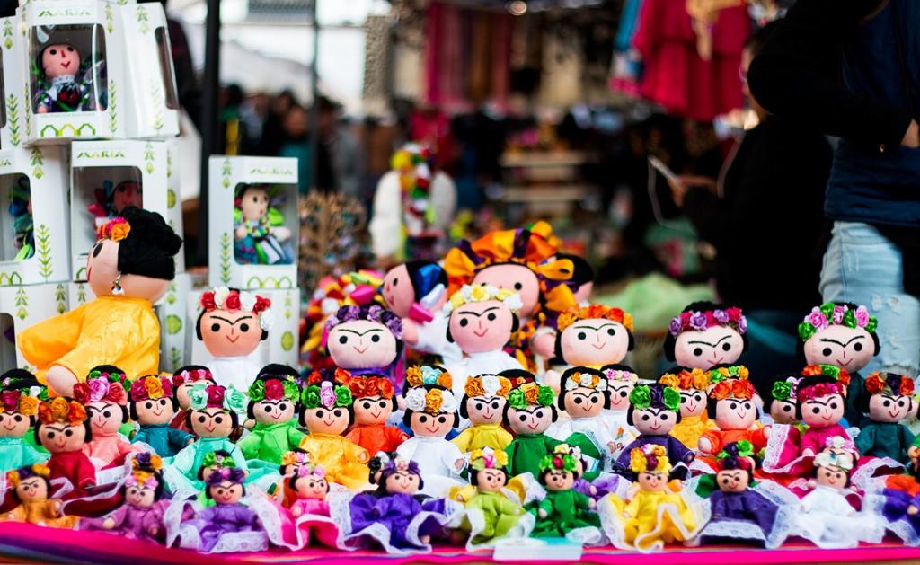 Liverpool venderá muñecas otomíes de Amealco