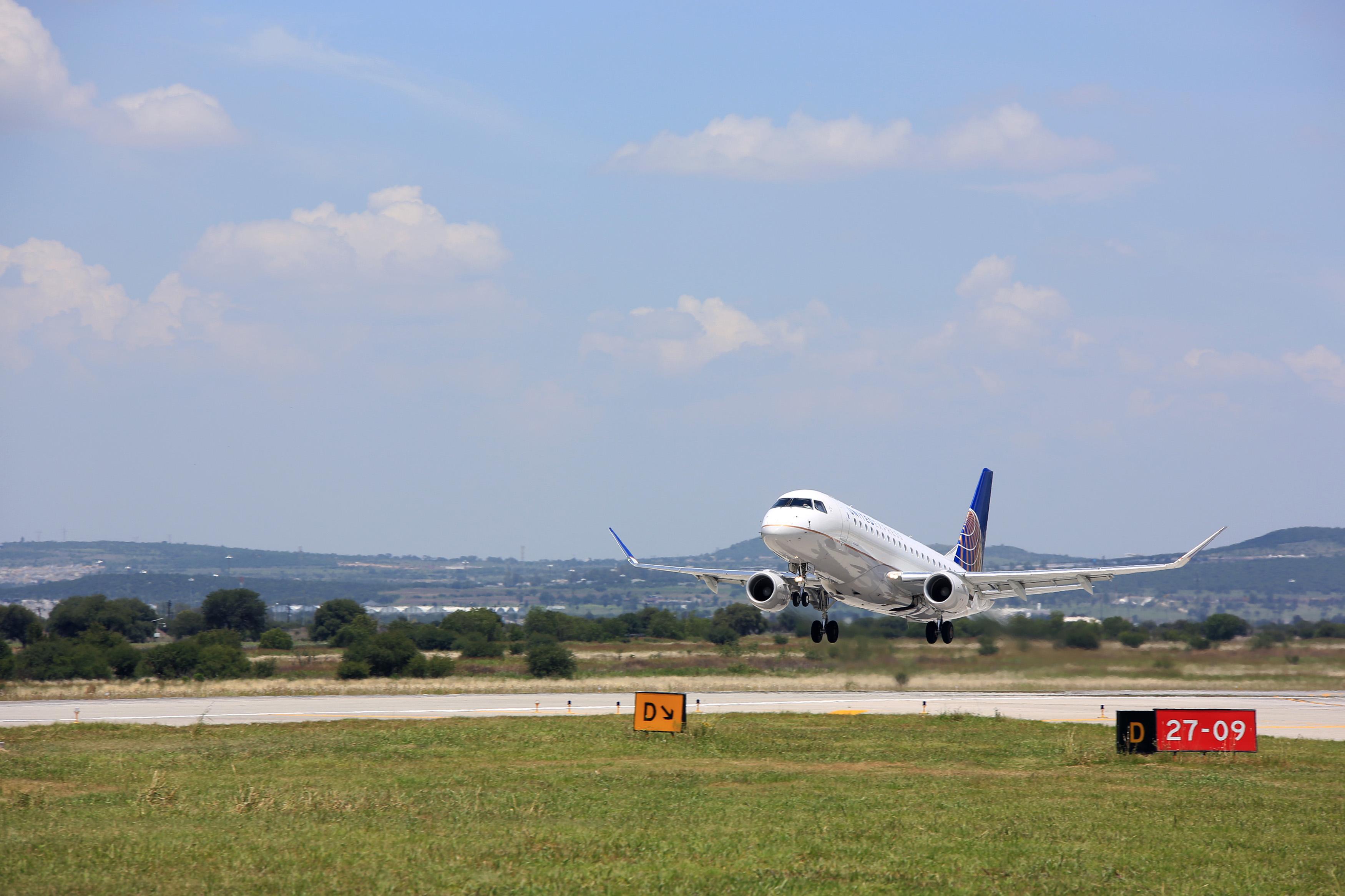 AIQ, en el 'top ten' de los aeropuertos del país