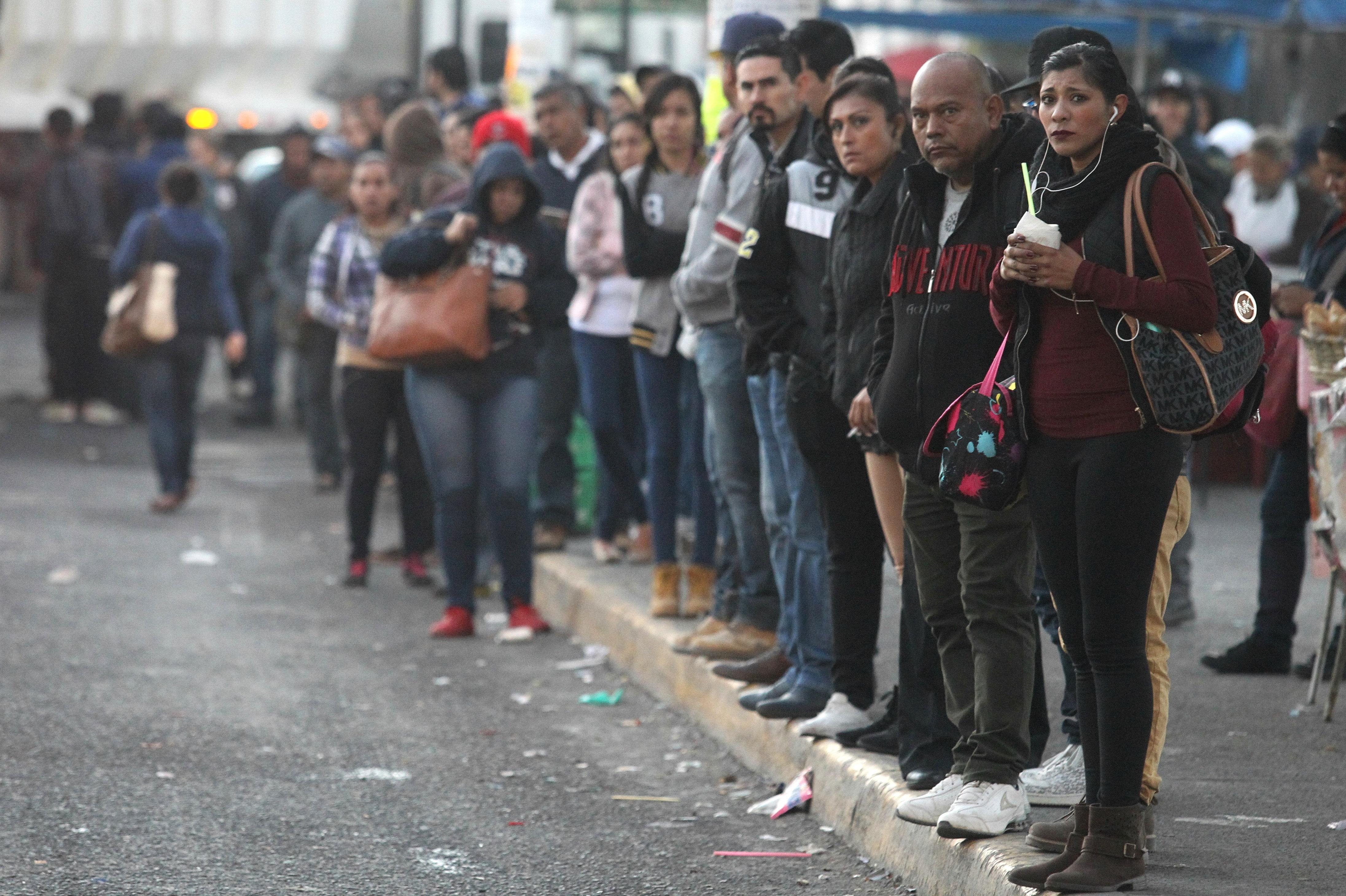 Transporte público de Guadalajara se paraliza en protesta contra gasolinazo