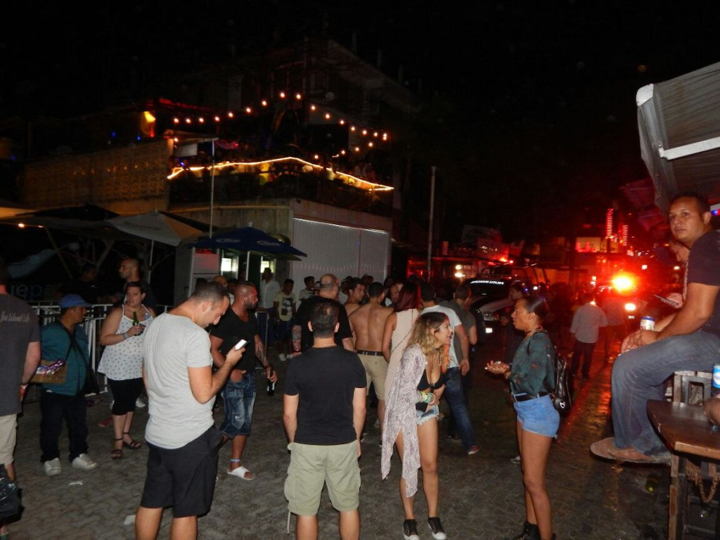 Cinco muertos en un ataque a un festival de música del caribe mexicano
