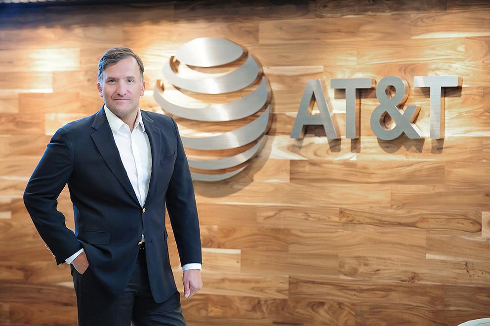 Manuel González Arce, director ejecutivo de Comunicación Corporativa en AT&T México / Foto: Jorge Ruíz