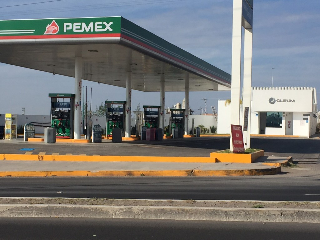 Gasolinera escasez