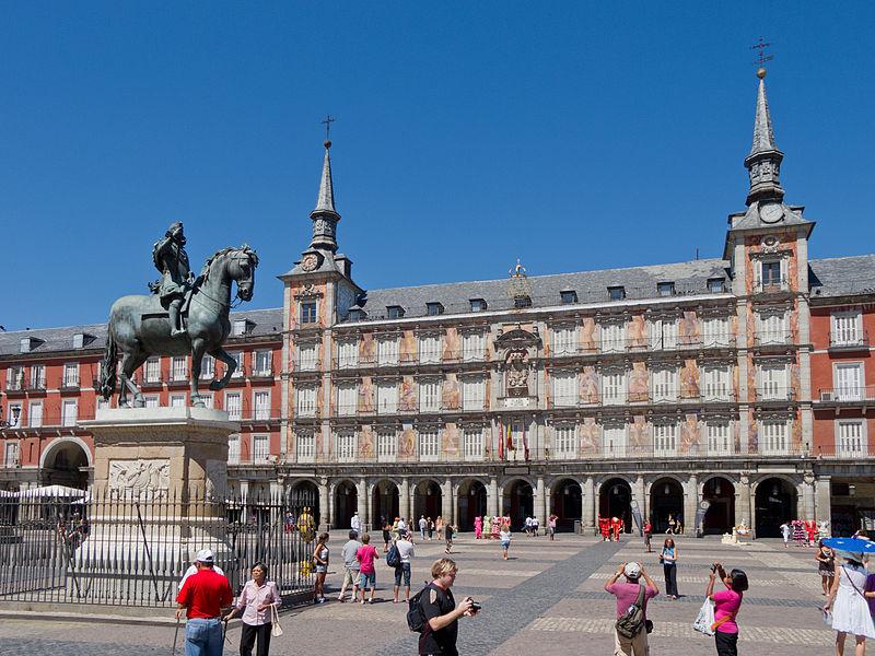 Declaran toque de queda en España por COVID-19