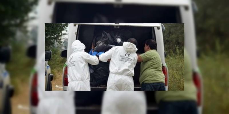 Encuentran ocho cadáveres en camioneta abandonada en Veracruz