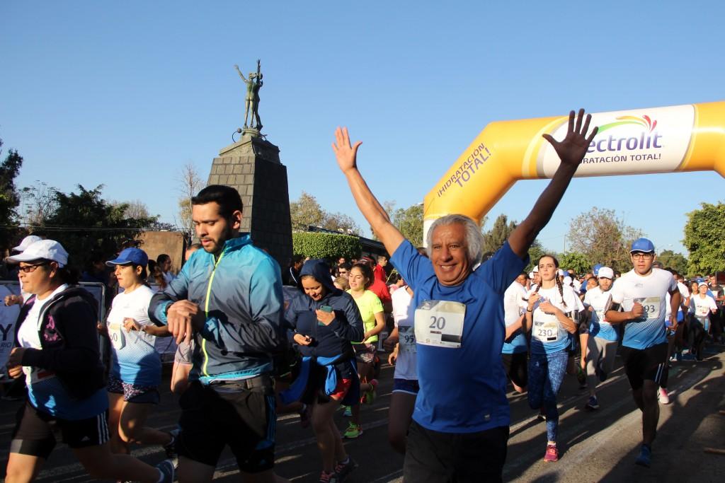 """En el marco de la 6ta Carrera """"Soy universitario por siempre"""", participaron mil corredores en categorías de 3, 5 y 10 kilómetros."""