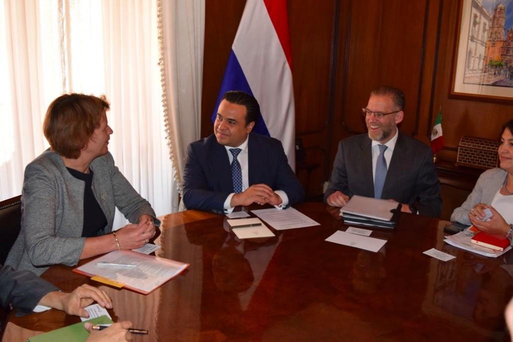 Reunión con embajadora de Países Bajos