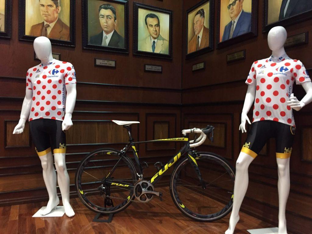 By Le Tour de France