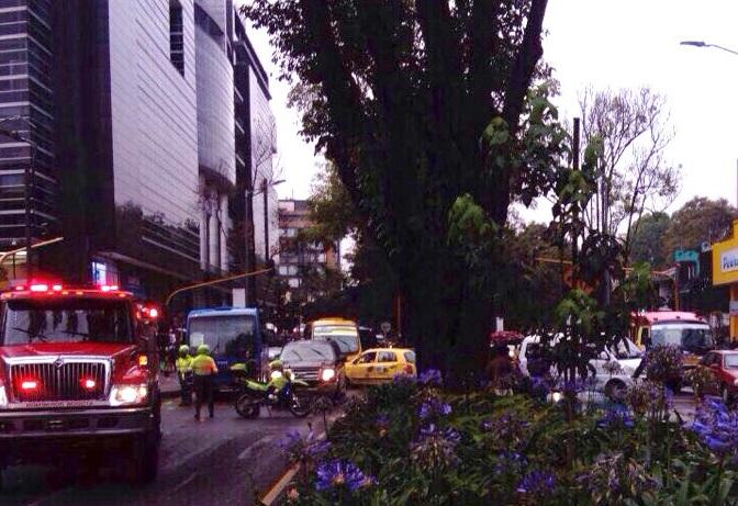 Suben a tres los fallecidos en atentado en norte de Bogotá