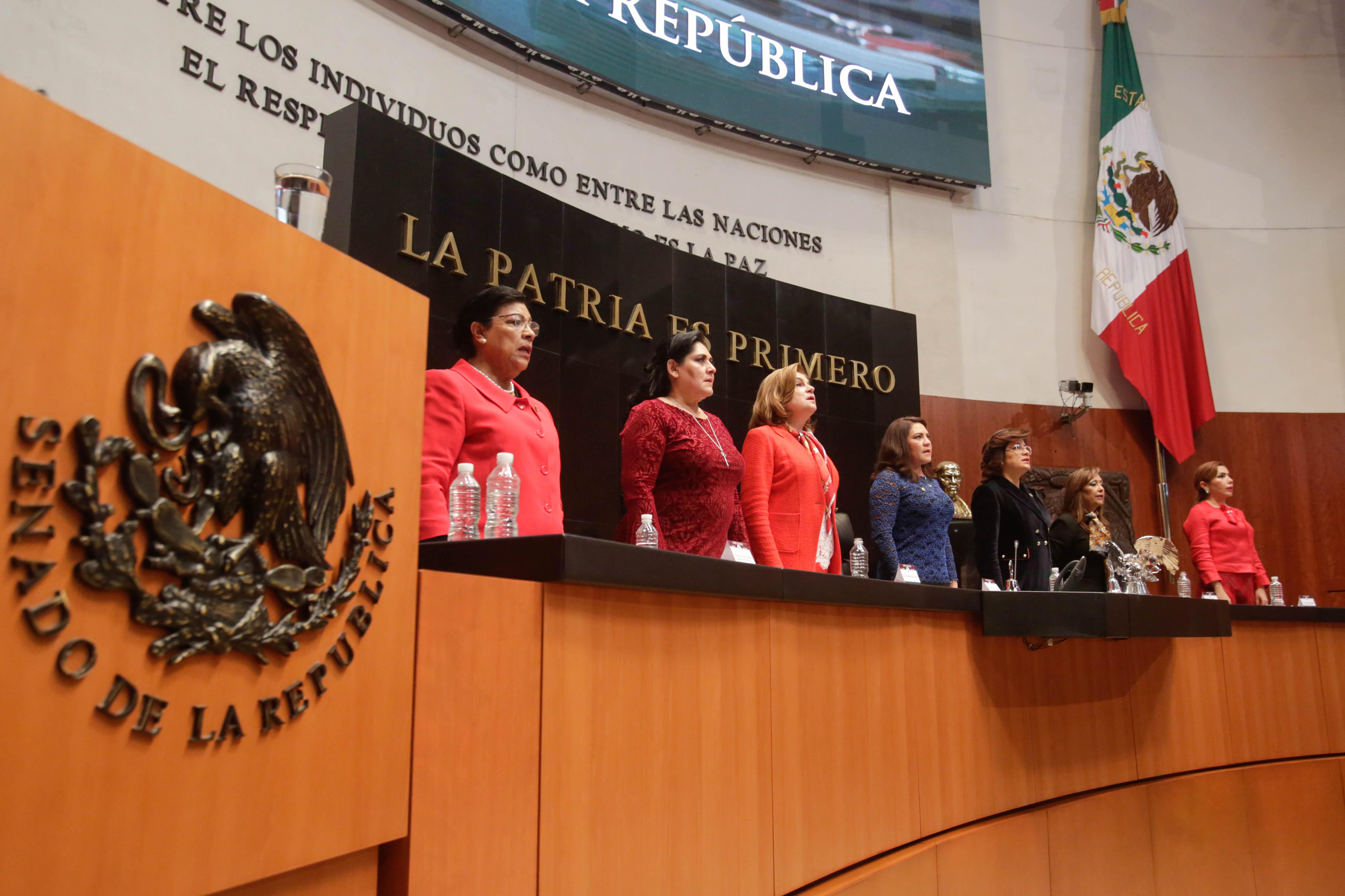 Senadores demandan sanciones para servidores públicos que incurran en acoso sexual