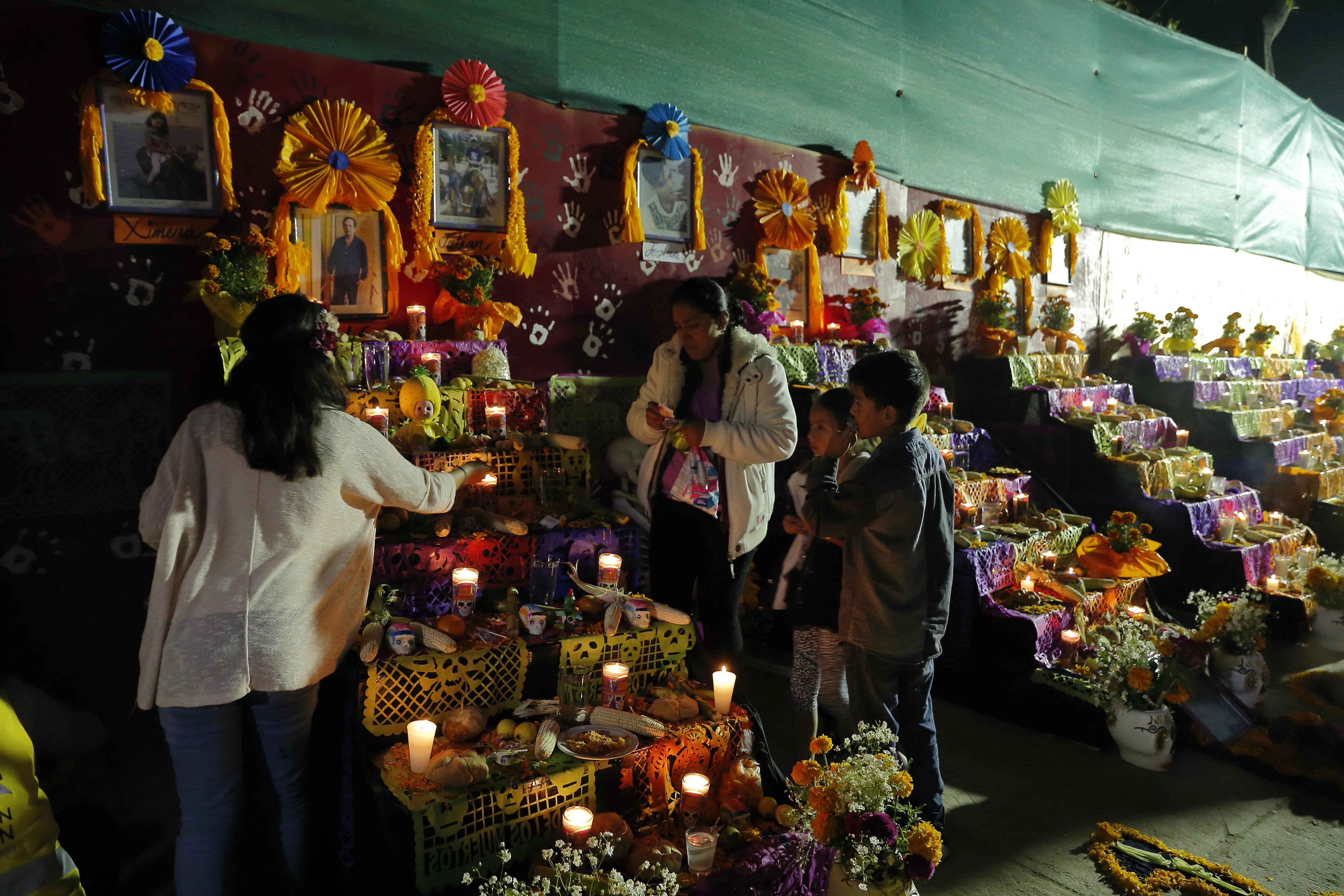 Celebración de Día de Muertos, otra víctima de la COVID-19 en Querétaro