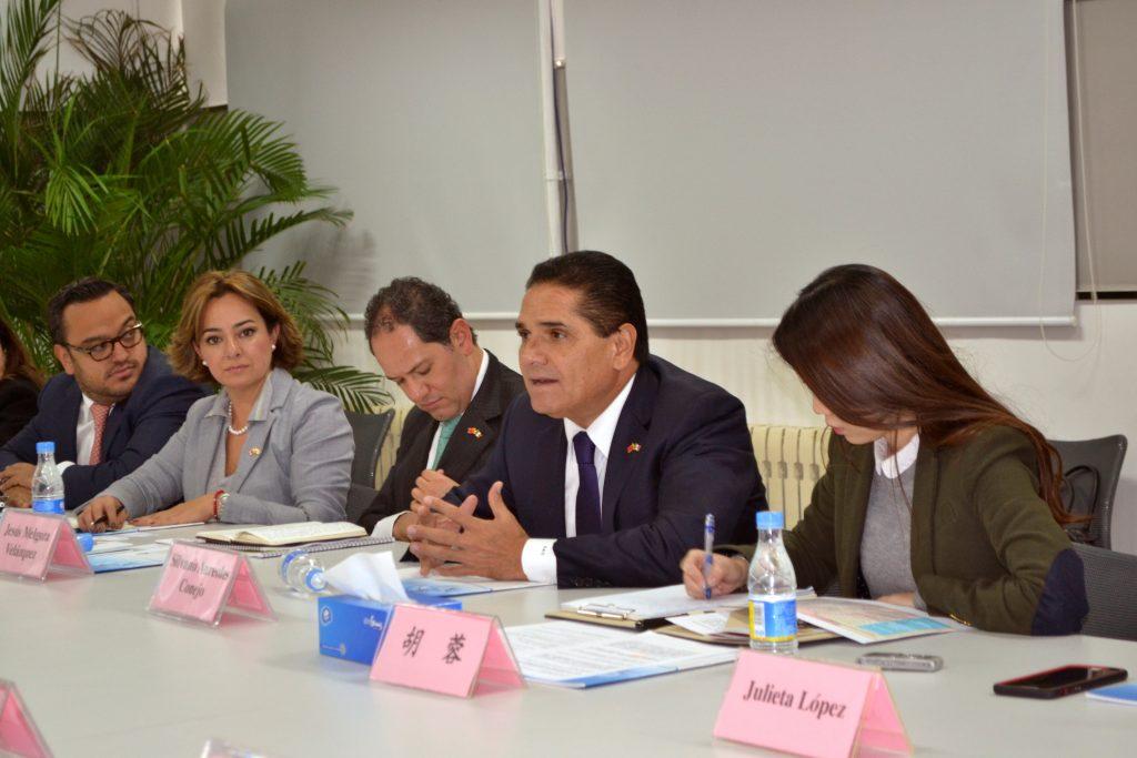 Michoacán se ofrece a China como puerta de entrada a México