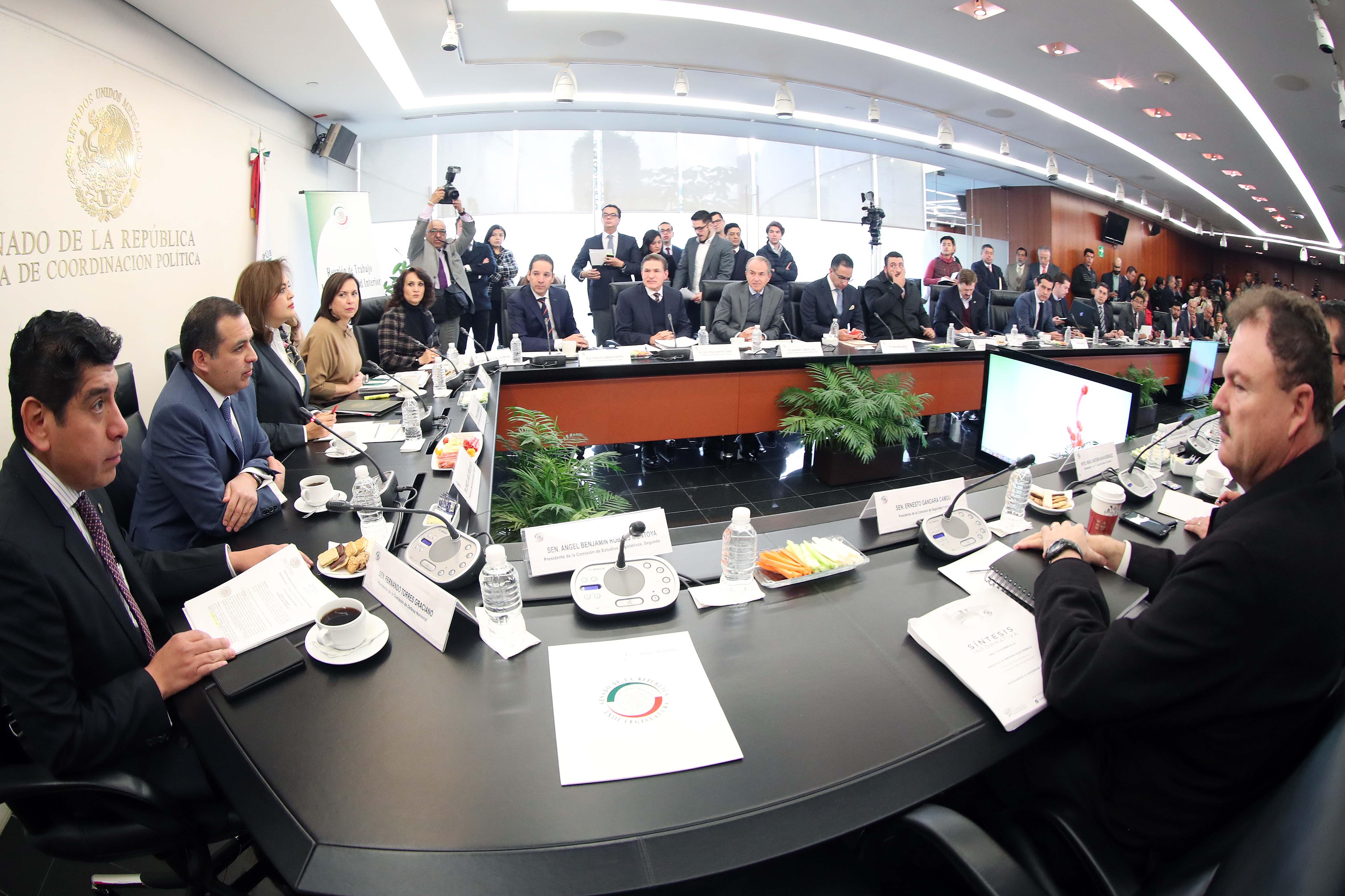 Senadores urgen a crear un registro de desplazados en México