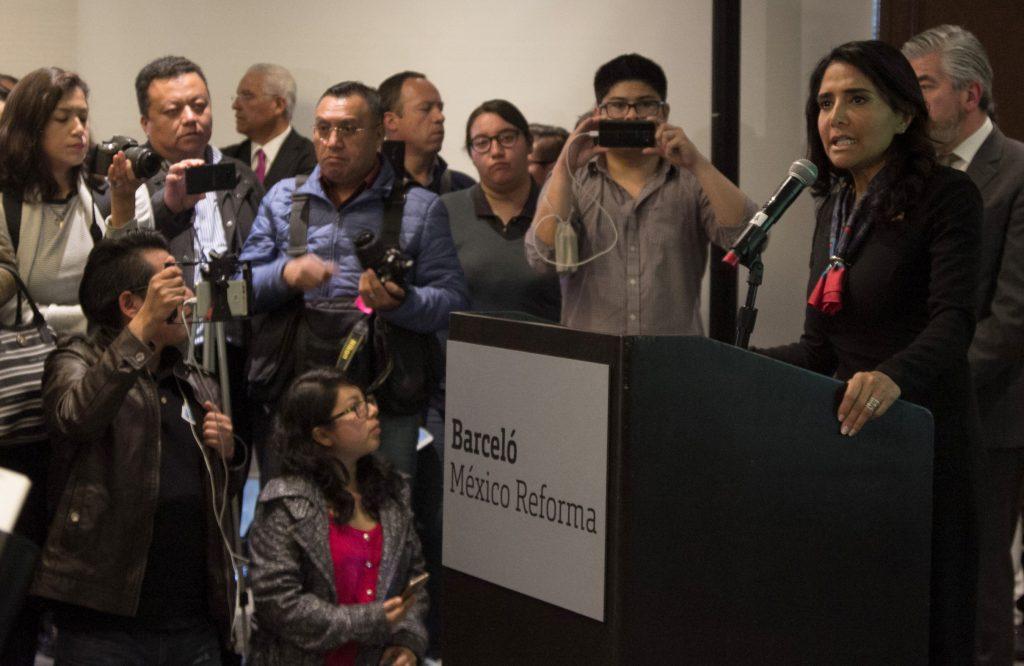 Exlíder de sobrecargos se perfila como candidata a gobernar Ciudad de México