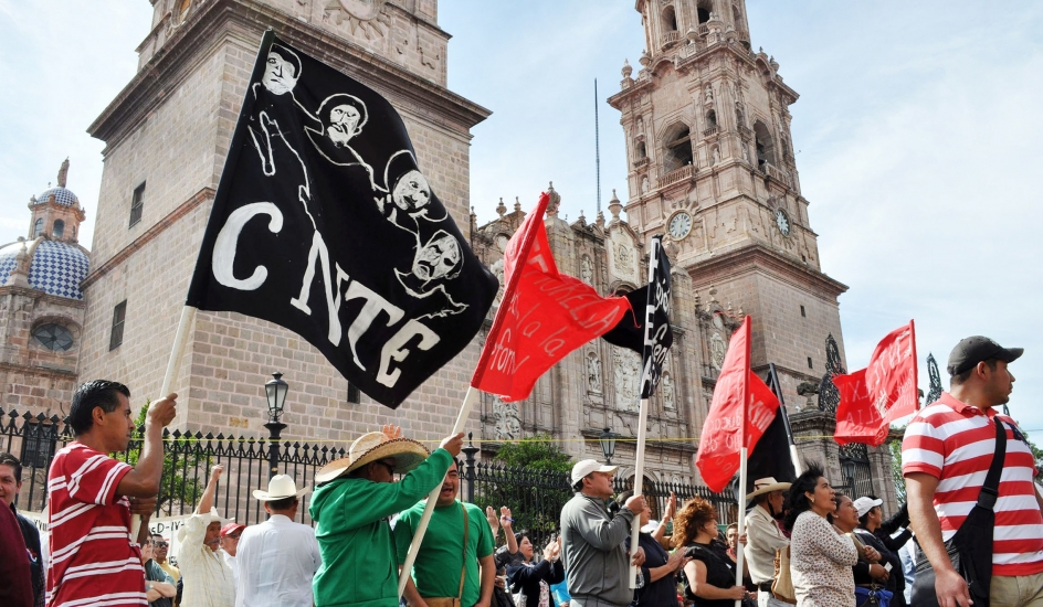 Protestas magisteriales en Michoacán dejan al menos 3 heridos y 20 detenidos