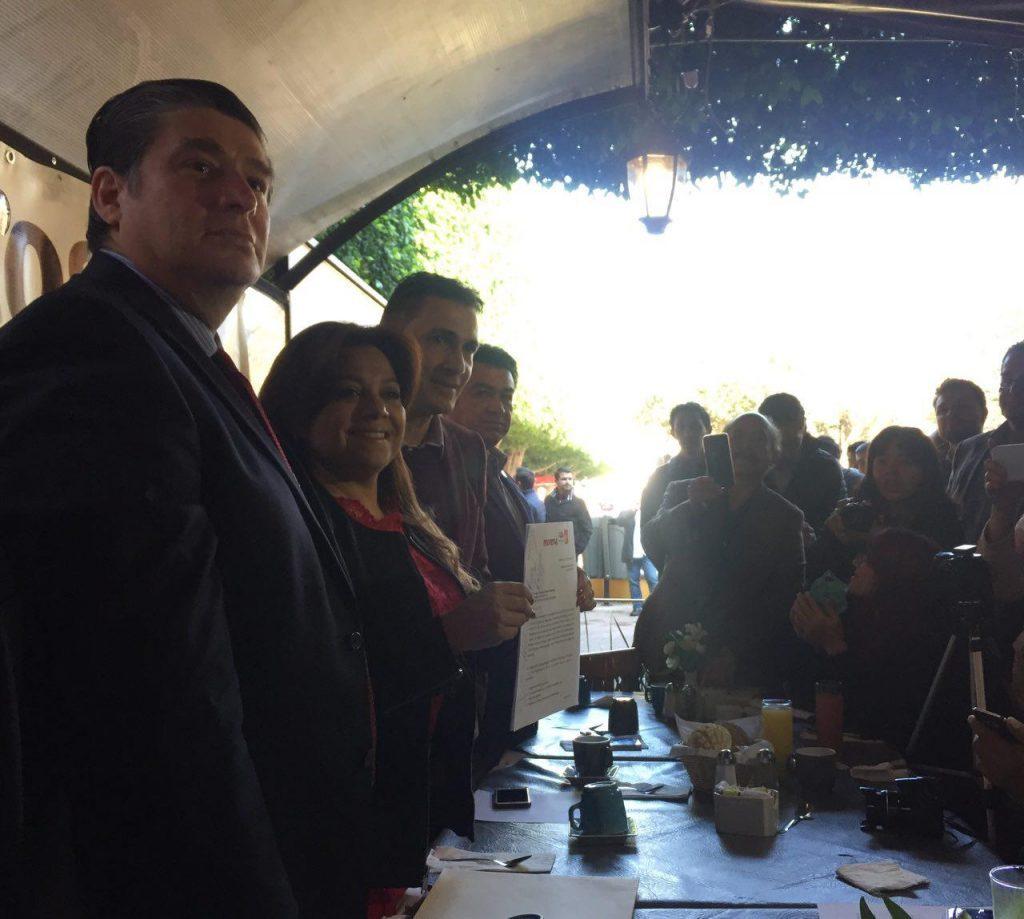 Se concreta primera coalición en Puebla: firman convenio Morena PT y PES