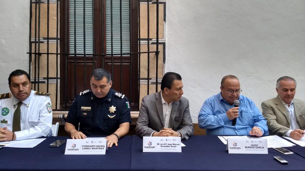 Asesinan a tres personas en plaza comercial de Querétaro