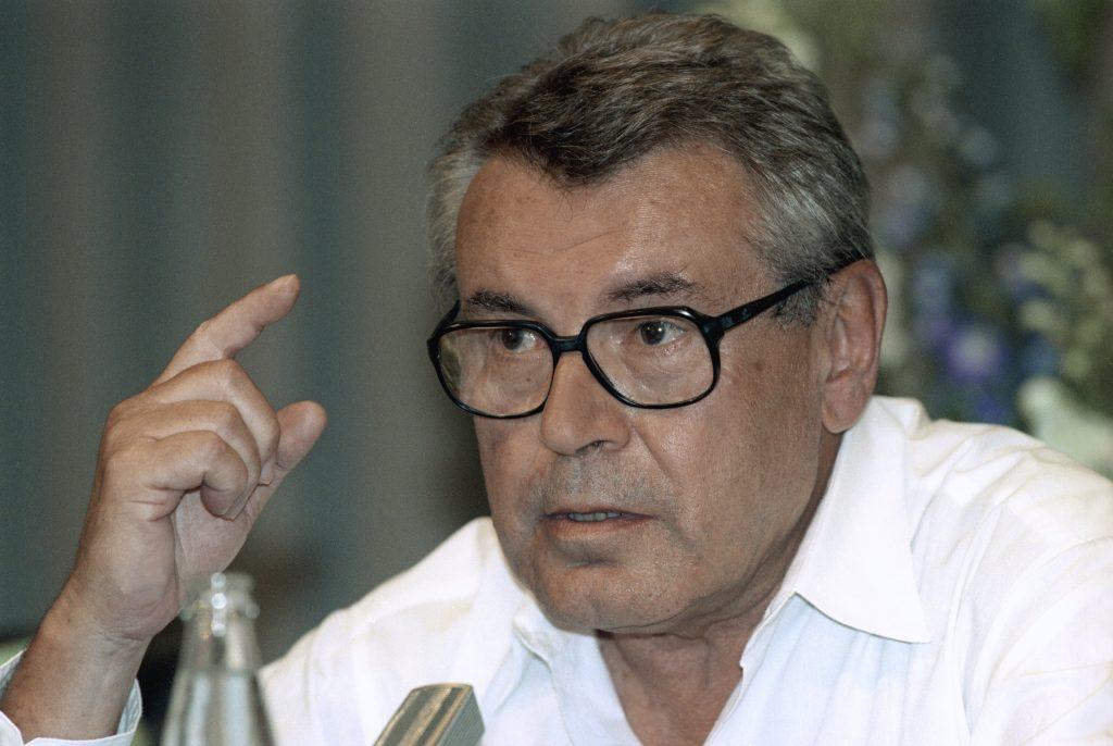 Czech director Milos Forman dies at 86