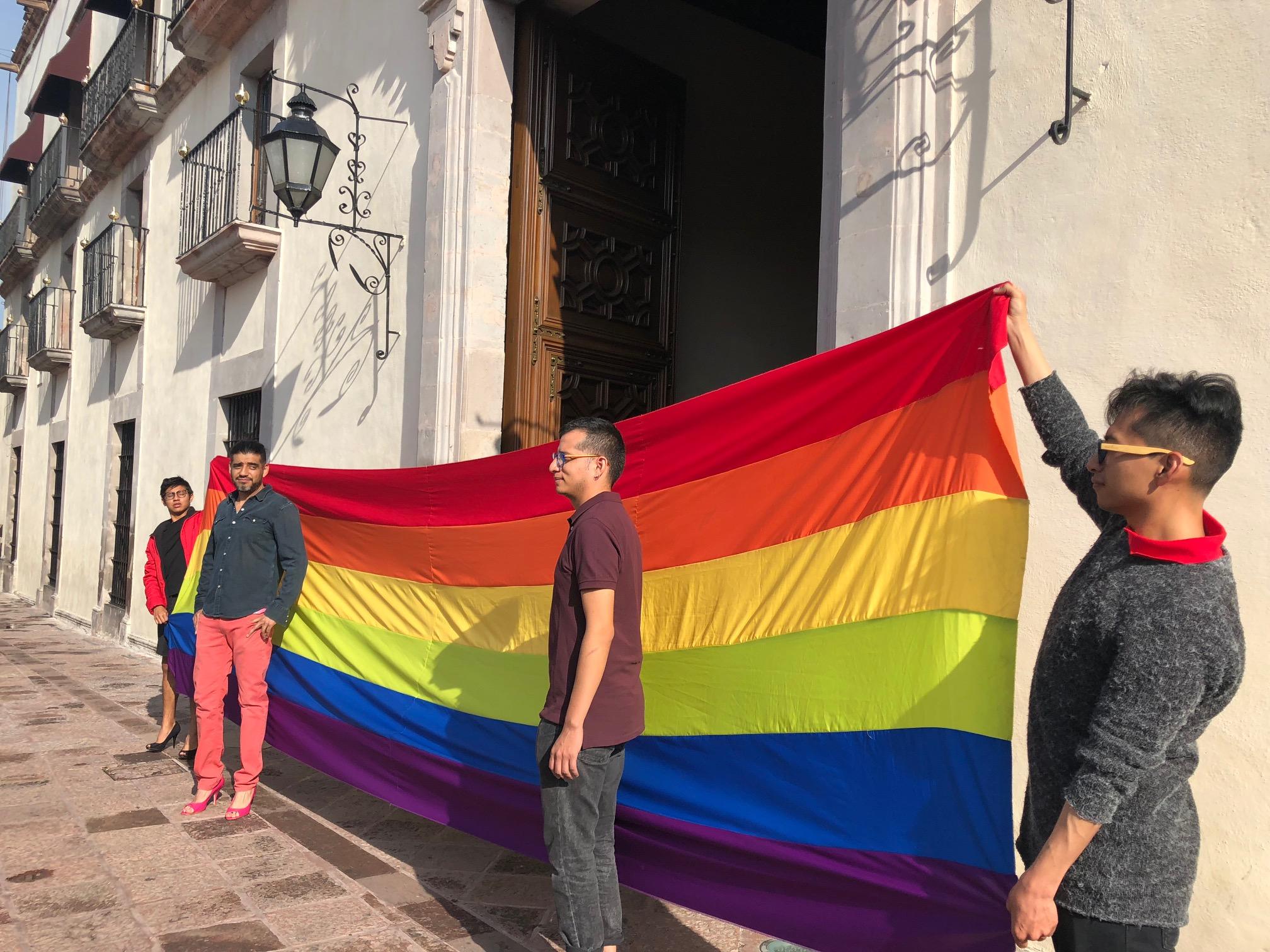 Denunciarán ante organismos internacionales discriminación a comunidad LGBTI+ por  legisladores