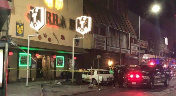 Comandos armandos atacan bares en Monterrey dejando un saldo de 12 muertos