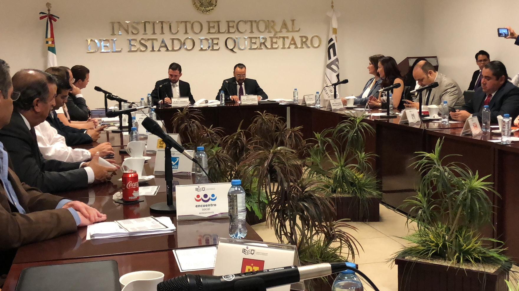 IEEQ define diputaciones locales plurinominales