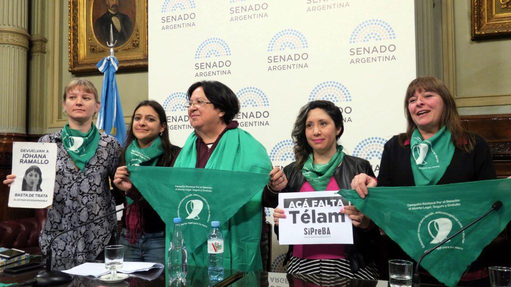 Campaña por aborto legal pide al Senado argentino no