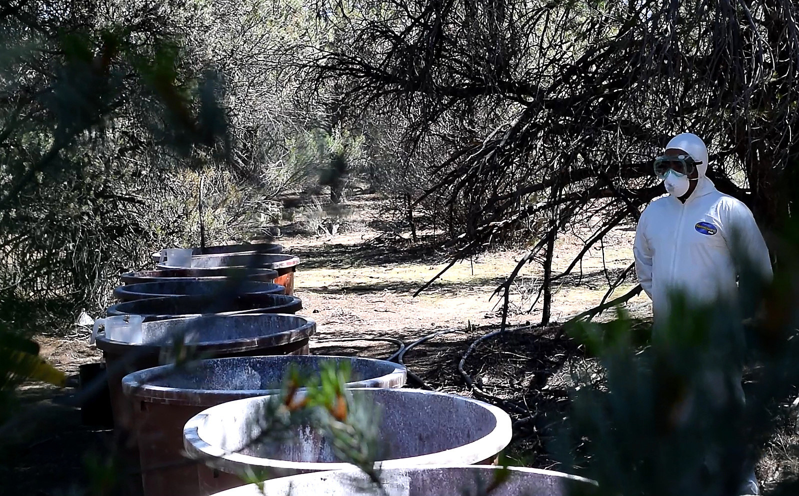 Ejército decomisa cuatro toneladas de cristal en narcolaboratorio encontrado en B. California