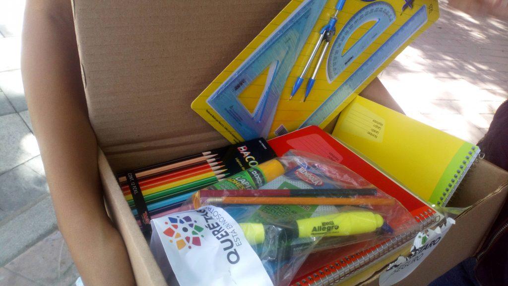 Entrega de útiles escolares gratuitos