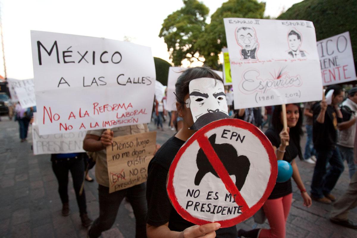 El 64 % de mexicanos desaprueba la administración de Peña Nieto: De las Heras