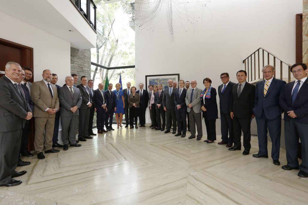 71_273_24650_1677022997_10_10_18_REUNION_CON_EMBAJADORES_DE_LA_UNION_EUROPEA_5