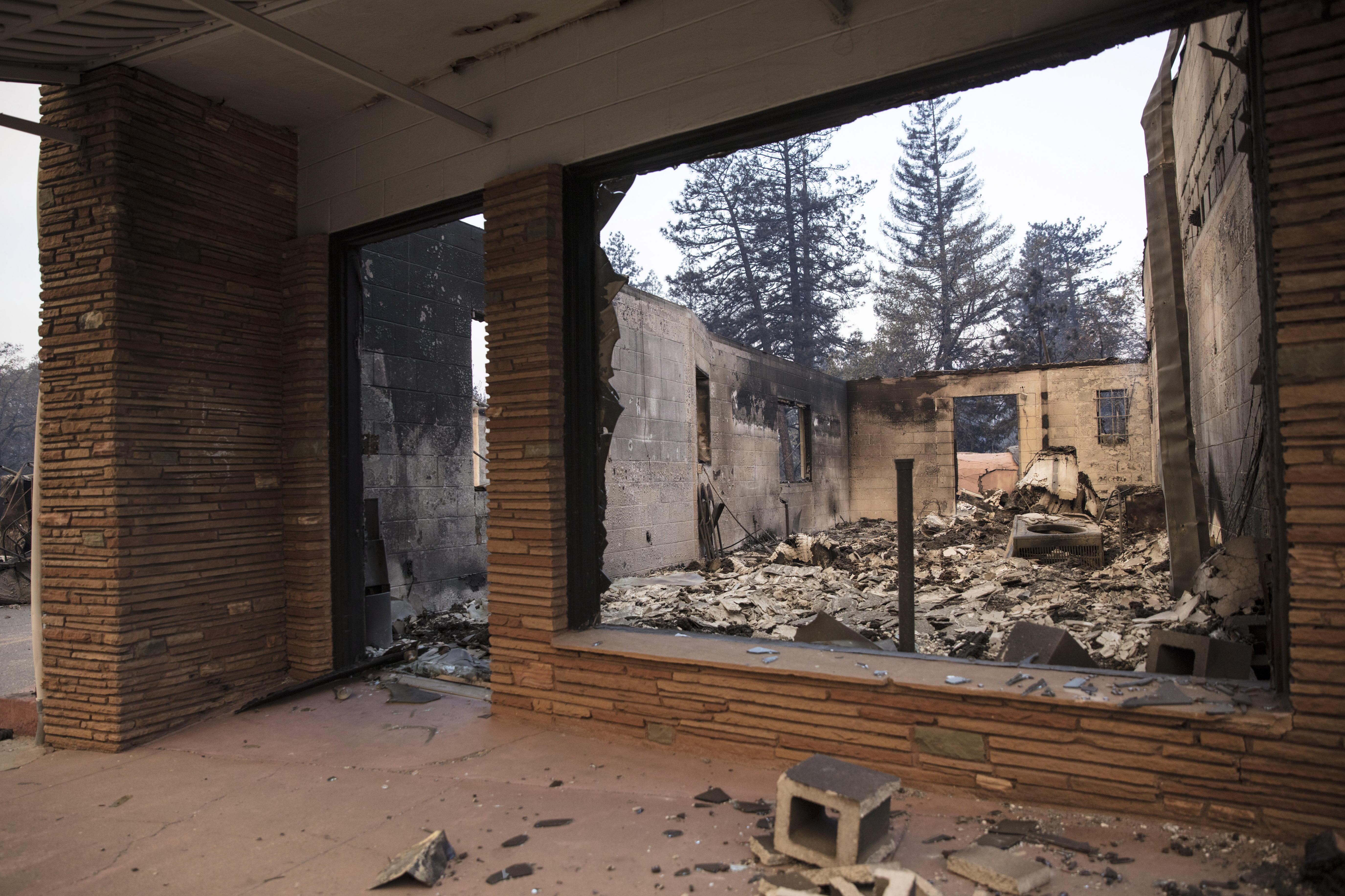 Horror en California: Incendio más devastador de la historia destruye miles de casas