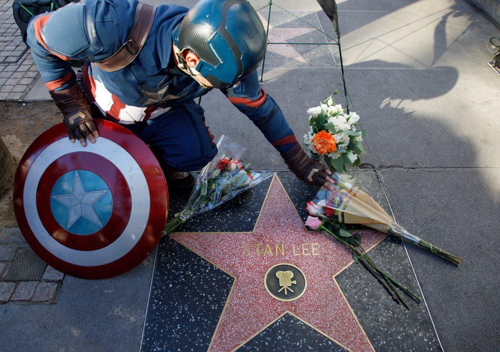 Stan Lee, genio del cómic y creador de Spider-Man, muere a los 95 años