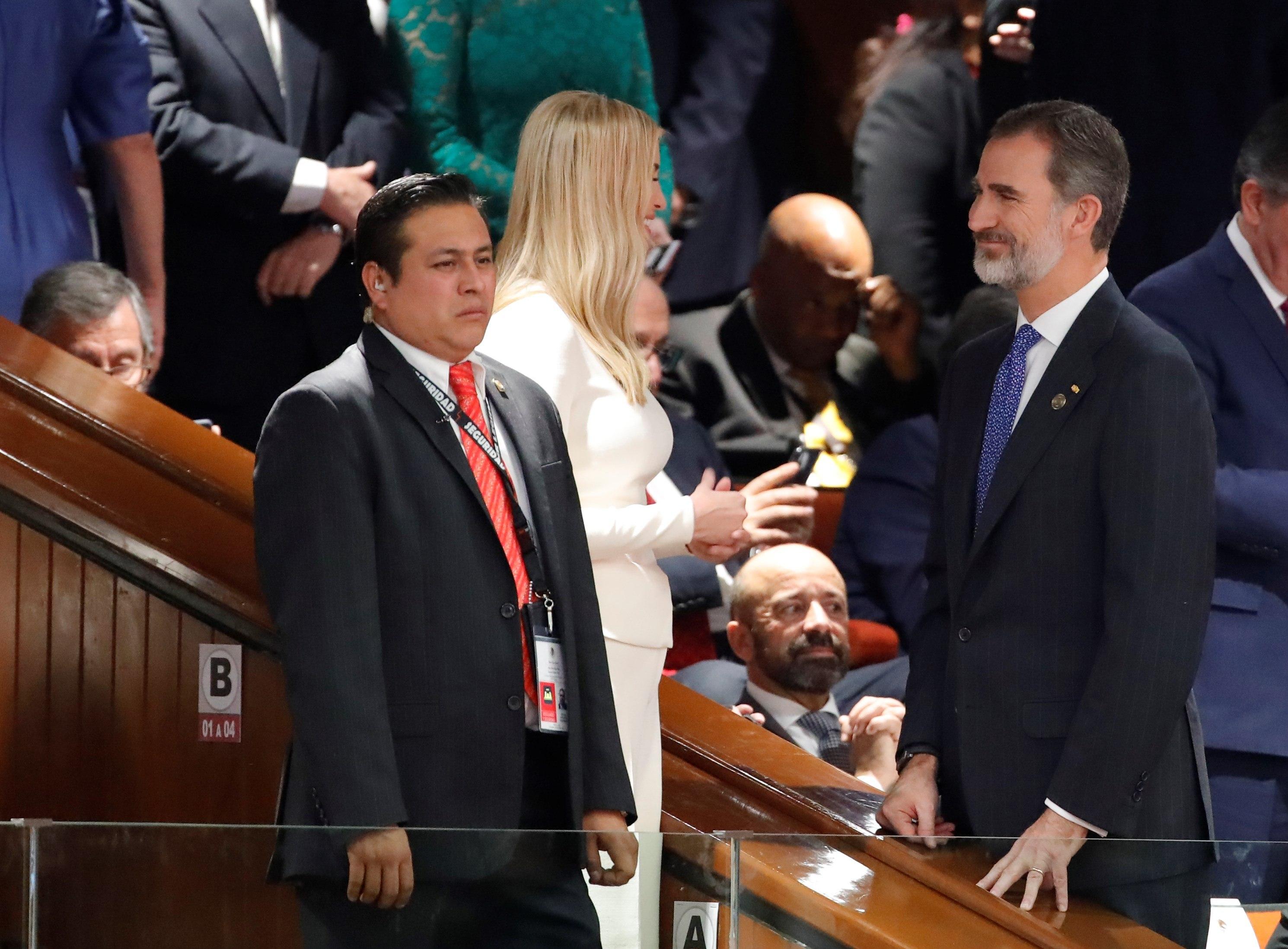 """López Obrador agradece """"trato respetuoso"""" de Trump y asistencia de Maduro"""