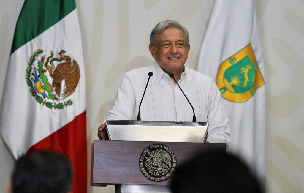 Mexico initiates plan that guarantees health care and free medicine for the poor