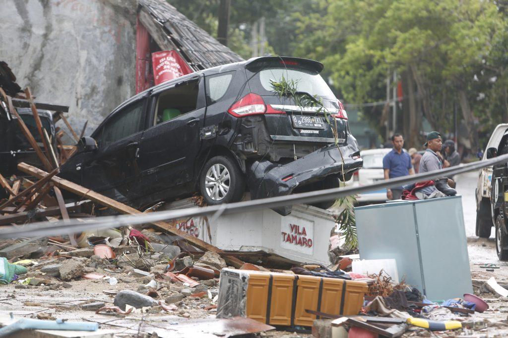 Tsunami hits Sunda Strait in Western Indonesia