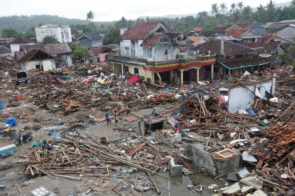 Tsunami golpea el estrecho de Sunda en el oeste de Indonesia