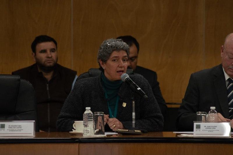 Rectora de la UAQ visita Congreso Federal para defender presupuesto